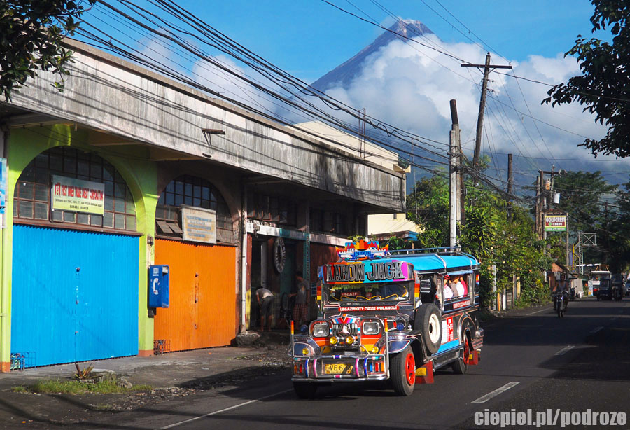 mayon28 W cieniu wielkiego wulkanu