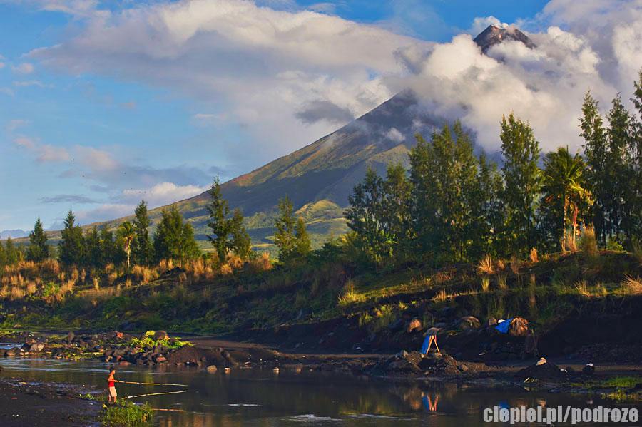mayon30 W cieniu wielkiego wulkanu